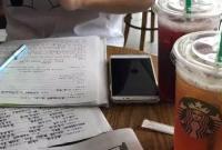 开学在即,打开咖啡厅的门竟满是抄作业的学生 老师崩溃