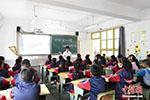 报告显示中国中小学生学习时间超标 课外补习领跑全球