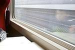 爷爷下车抽烟错过高铁 还在车上的7岁孙女找到列车员求助