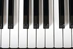 从不玩电子产品8岁琴童竟近视600度 医生:钢琴黑白键伤眼