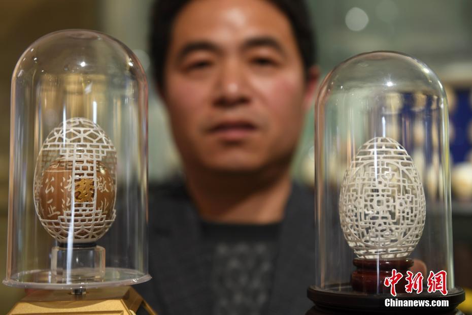 北京赛车:杭州蛋雕手艺人毫厘之上刻绘艺术