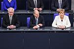 德国新一届联邦政府成员宣誓就职