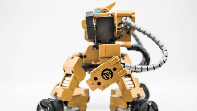第四届宁波国际机器人展举行 部分工业机器人卖断货