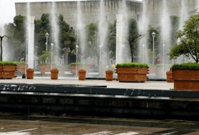 宁波博物馆看喷泉