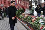 中国驻俄罗斯大使向克麦罗沃火灾遇难者献花