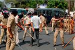 印度多邦爆发大规模暴力骚乱 至少8人死亡