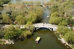 济南大明湖:春光明媚柳色新