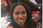 苦尽甘来:美单亲母亲法学院毕业 带5个娃拍毕业照