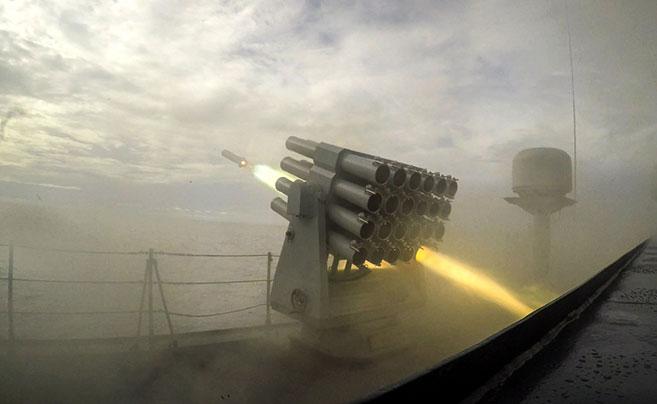第29批护航编队实际使用武器训练 精确命中目标