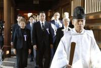 日本跨党派议员联盟75名成员集体参拜靖国神社