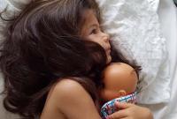羡慕!澳两岁女童满头浓密秀发