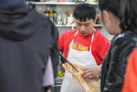靠卖烧饼在杭州赚了7套房?!老板:不多不多