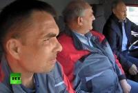 66岁普京驾卡车跨海峡进入克里米亚