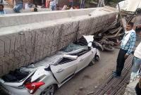 印度在建高架桥坍塌 至少18人死亡