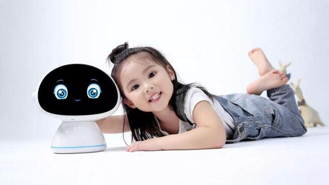 """【寻找十强】专访之二十二:让机器像人一样""""说话""""""""学习""""""""陪伴"""",薄言AI给孩子们做伙伴、做老师……"""
