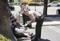 约十名在美中国留学生旅馆前玩仿真枪 遭警方包围
