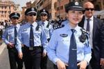 有型有款有担当 这群中国警察帅到海外!