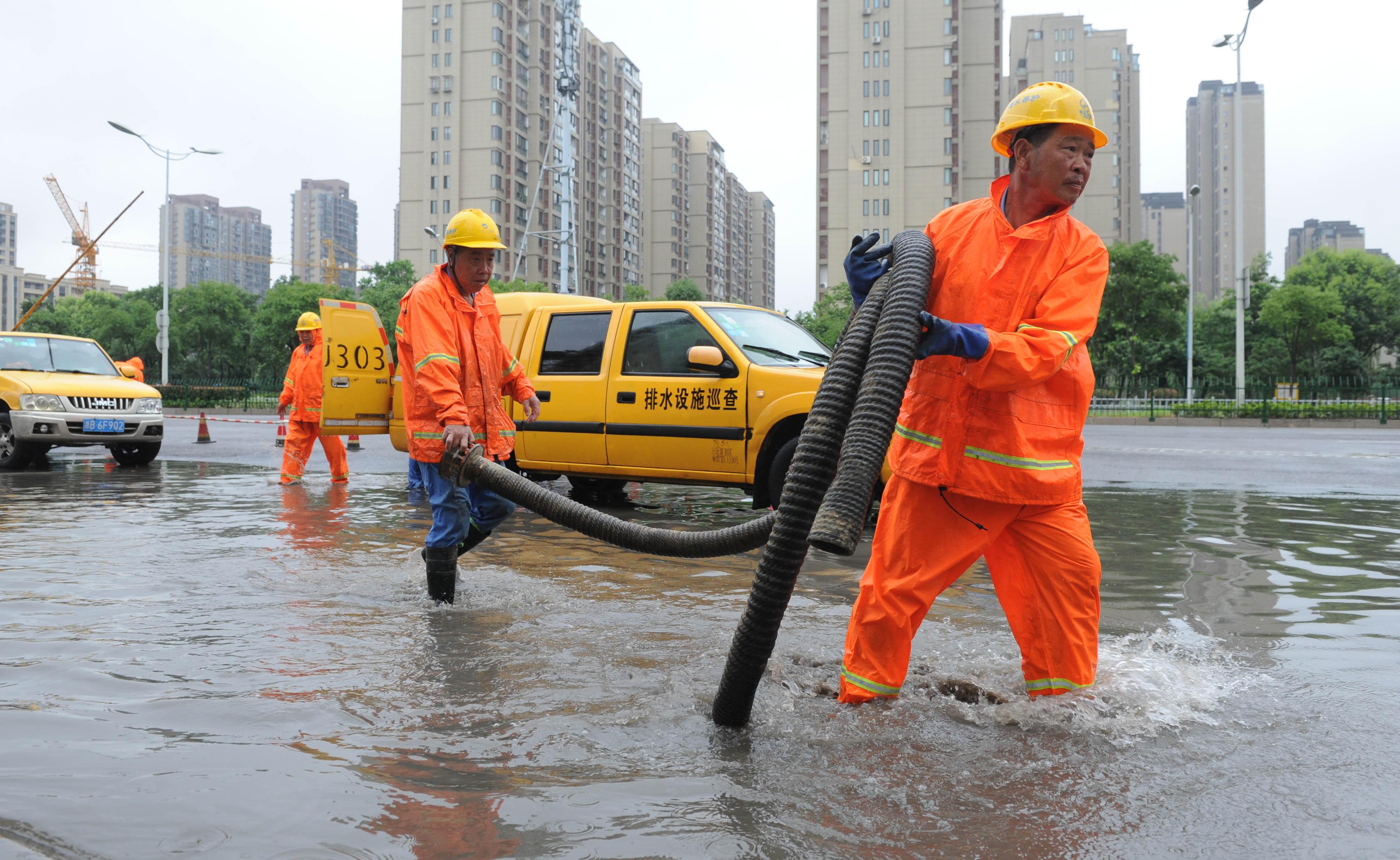梅雨时节排水忙