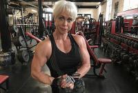 英国68岁奶奶因健身变网红