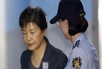 朴槿惠获刑24年后又吃新官司 被判8年