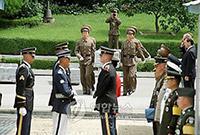 韩媒:美国运输机今天前往朝鲜 将接回50具美军遗骸