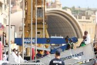 """民间救援船""""阿奎里厄斯""""号在马耳他靠岸"""