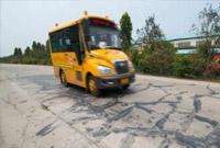 下车多检查!3岁泰国女童被忘校车内热死 司机被捕