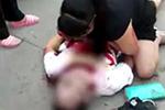 女子在菜市场遭抢包 儿子护母被刺死