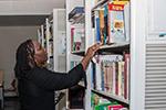 肯尼亚国家图书馆设立中文图书阅览区