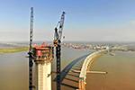 世界最高公铁桥沪通长江大桥主塔成功封顶