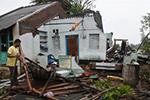 强热带风暴蒂特利在印度东部海岸登陆