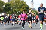华盛顿举行美国海军陆战队马拉松赛