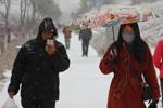 青海立冬降暴雪 民众出行受影响