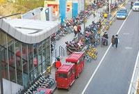 网友深表痛心并追问:宁波大学大门口何时靓起来?
