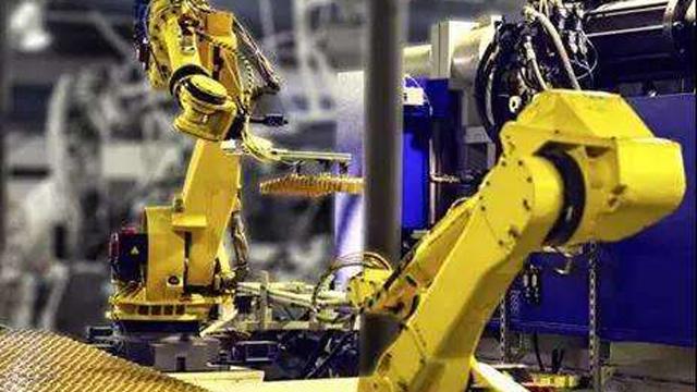 四大机器人家族抢滩中国市场,地方政府如何发力高端制造?