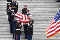 美国为前总统老布什举行国葬