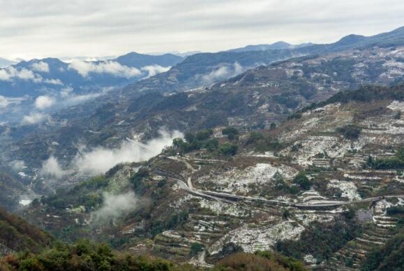 四明山上赏雪景