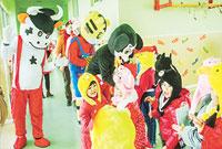 泰安幼儿园 十二生肖闹庙会