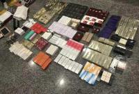 女子过海关被查 行李箱打开大牌摊了一地价值超15万
