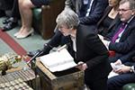 特雷莎・梅在议会进行首相问答