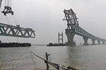 孟加拉国帕德玛大桥项目第七跨钢梁架设完成