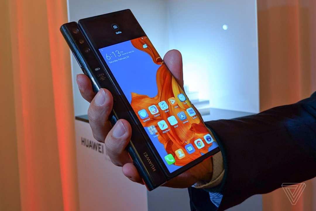 售价1.75万元!华为发布首款5G折叠屏手机Mat