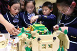 """乐高""""垂直城市""""概念模型亮相上海"""