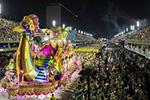 里约狂欢节:特级组桑巴舞校花车巡游表演