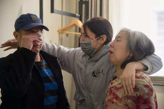 2019年3月3日,时隔8个月后王新元、赵印芝和女儿、儿子再次团聚。程丁摄