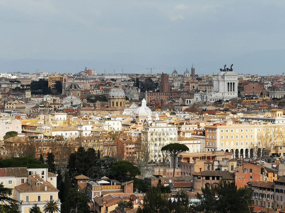 时政新闻眼 习近平飞抵罗马,欧洲之行这样启幕