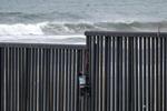 107名中美洲移民企图非法入境美国 遭墨西哥警方拦截扣押