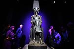 法国观众热捧图坦卡蒙墓葬展