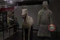 气死了 兵马俑的手指白断了?