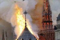巴黎圣母院大火曾收到警报 因机器故障未正确显示着火点